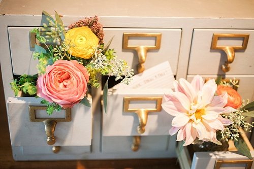 Mid Century Modern inspired wedding at the gorgeous Rice House in Richmond, Virginia with specialty rentals by Paisley and Jade